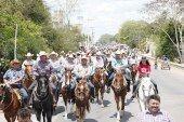 Cabalgata realza festejos de la tradicional Expomor